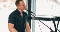 Live music at the Boat Club featuring Eric Alan