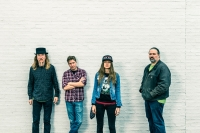 Sarah Shook & The Disarmers with Mariel Buckley