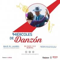 Danzon in the Zocalo / Danzon en el Zocalo