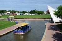 Loaf 'N Jug Boats, Bands and BBQ
