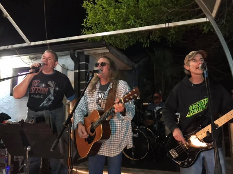 Spend an evening with The Black Hammock Band